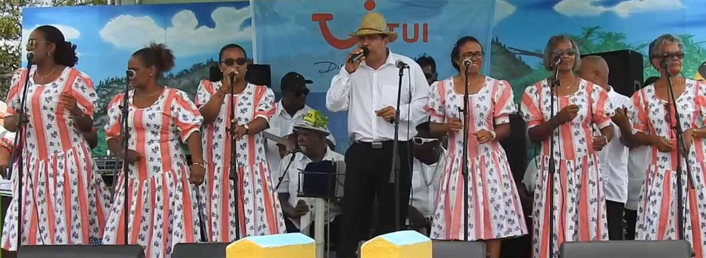Tutti Frutti performing at Dia di Rincon.